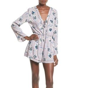 ASTR THE LABEL LONG SLEEVE ROMPER